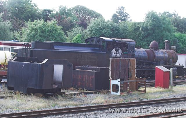 134's tender behind 133 at Dinas. (Photo: L. Armstrong)